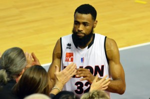 Anthony Dobbins, capitaine exemplaire de la défense dijonnaise. Source: Dijon-SportsNews